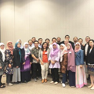 Dr Stephen Sherlock and Australia Awards scholars from Indonesia at the Rex Hotel in Canberra participated in RIRI from 24-25 October 2018